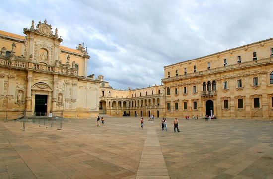 Piazza Libertini