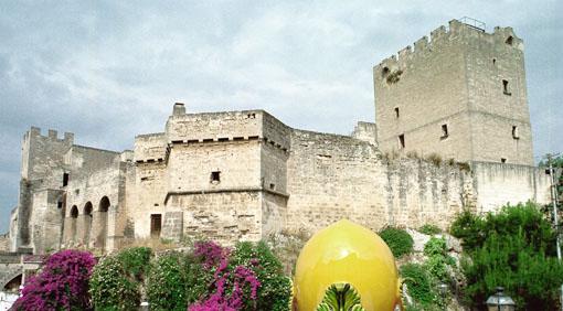 Castello episcopio grottaglie il tacco di bacco for Piani scozzesi della casa del castello dell altopiano
