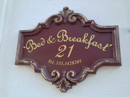 Bed and Breakfast 21