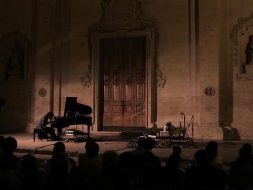 Per un intervallo contemporaneo al pianoforte di Massimo Carrieri