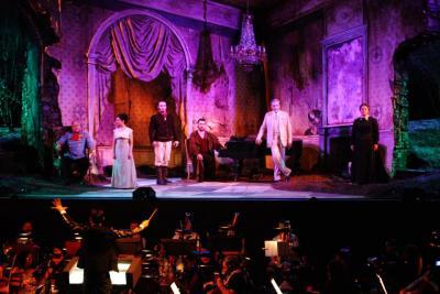 Il 41° Festival della Valle d'Itria inaugura con l'opera inedita Le Braci, di Marco Tutino. Una storia che racconta non solo i tormenti di un'amicizia, ma la crisi del sogno europeista