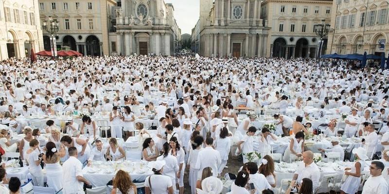 """Il bluff delle """"Cene in Bianco"""""""