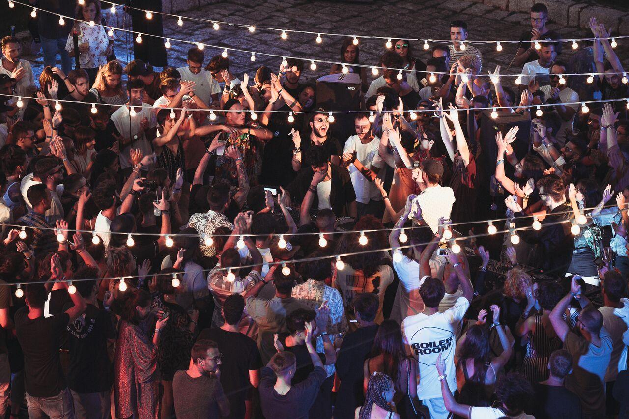 Da Nicolas Jaar a Dj Shadow, passando per Boiler Room: bilancio positivo per VIVA! Valle d'Itria International Music Festival, confermata l'edizione 2018, nel frattempo ci si dà appuntamento al Club To Club di Torino