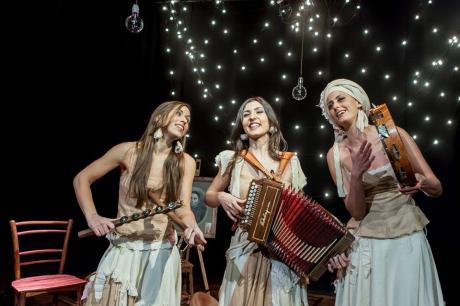 LE TRE SORELLE Canti e musiche tradizionali del Sud Italia al Santo Graal di Trani
