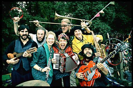 La FANFARRIA DEL CAPITÀN in concerto al Popularia Festival di Torricella (Ta)