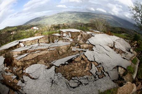 Terremoti: Origini, Storie e Segreti Dei Movimenti della Terra