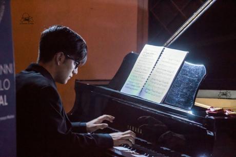 MICHELE RENNA pianoforte  – YOUNG, le domeniche in concerto