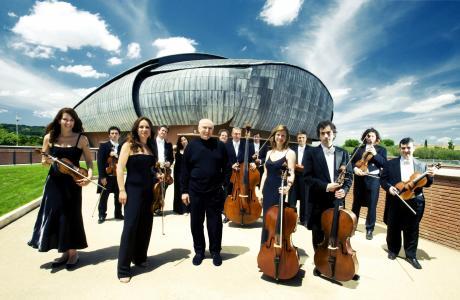 Un evento straordinario con il più grande violinista italiano e la sua ineguagliabile orchestra                                      Dal Barocco ai Virtuosismi  di de Sarasate