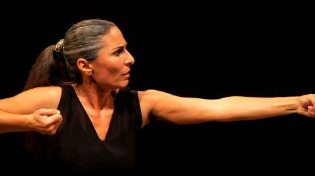 Amore e Psiche, di e con Daria Paoletta per la rassegna ODV Kairòs a Ruffano, domenica 22 gennaio ore 20.00