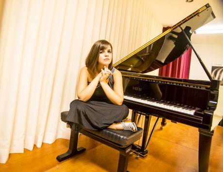 VIVIANA LASARACINA pianoforte