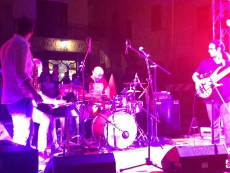 Davoli trio live