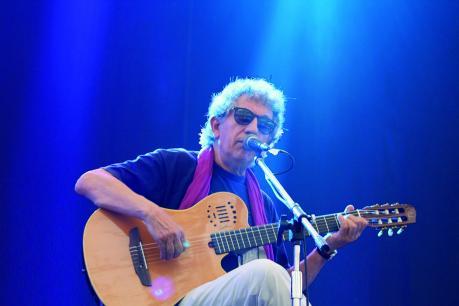 Eugenio Bennato in concerto all'AvaNposto Numero Zero con brani inediti