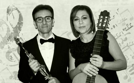 DUO ARTIUM   COSIMO SPINELLI, clarinetto MARIA IVANA OLIVA, chitarra