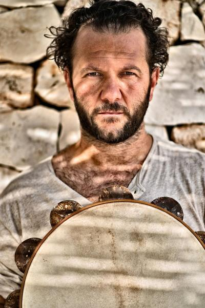 """Giancarlo Paglialunga con """"Arneo Tambourine Project"""""""