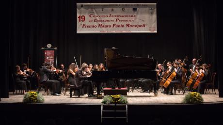 """PRESENTAZIONE DEI CONCORSI MUSICALI INTERNAZIONALI   """"CITTA' DI BARLETTA"""" E """"PREMIO MAURO PAOLO MONOPOLI""""  organizzati dall'Associazione Cultura e Musica """"G. Curci """" di Barletta"""