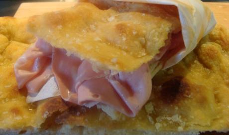 Il Salotto del Gusto sbarca a Napoli, il meglio dello street food dalla focaccia al panuozzo
