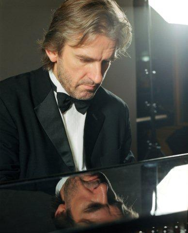 Barry Douglas in concerto
