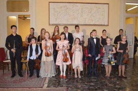 """27° Concorso Internazionale per Giovani Musicisti """"Citta' di Barletta"""" Concorrenti Provenienti da 57 Nazioni Diverse"""