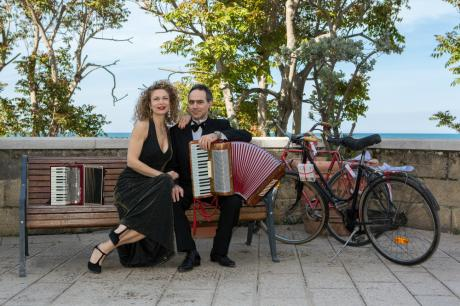 Duo FOLKSONGS a Palazzo Pesce