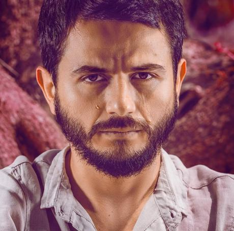 Rocco Nigro plays Pedro Almodóvar: Parla con lei