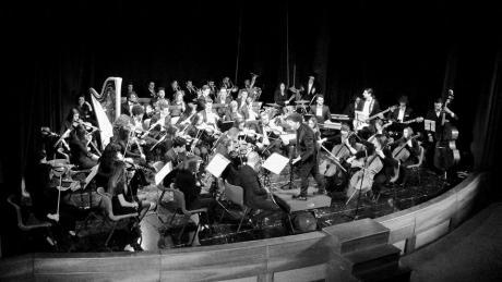 """Festival Chitarristico Internazionale """"CITTA' DELLO JONIO""""Giovane Orchesta Jonica e Duo Cantiga"""