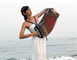 """Concerto """"Voyager, et faire voyager par la musique"""" di Marion SILA"""