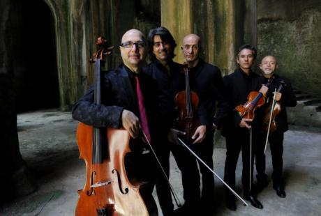 Al Sannazaro il coinvolgente live di Peppe Servillo & Solis String Quartet