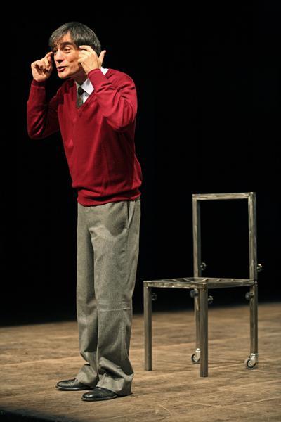 Italianesi ( Premio UBU 2012) di e con Saverio La Ruina a Ruffano per la rassegna teatrale Kairòs,domenica 18 marzo ore 20.00