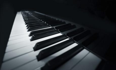 """Piano bar al Just One con gli """"Specchi Riflessi"""""""