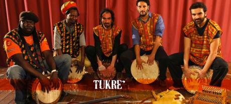 La Giornata Mondiale del Rifugiato nel Salento - Tukrè in concerto