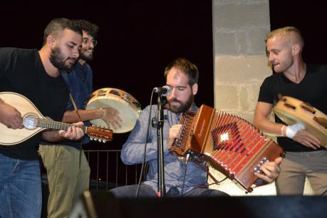 La pizzica scatenante dei TarantArneo, in concerto sabato 21 luglio a la'nchianata di Torricella (Ta).