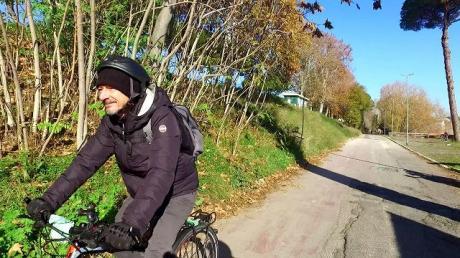 """Proiezione del reportage di """"La bicicletta ci salverà"""""""