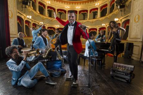 Si balla con l'Orchestra Casadei ad Alezio, live gratuito per la festa di San Rocco