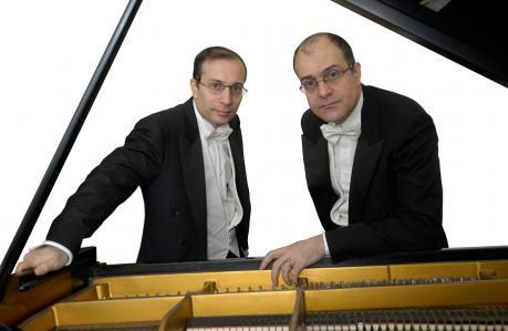 """""""QUATTRO MANI ALL'OPERA"""" - Concerto del Duo pianistico a  4 mani Aurelio e Paolo Pollice"""