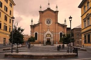 """""""I quartieri di Roma"""": SAN LORENZO. DAGLI OPERAI AGLI STUDENTI: UN VIAGGIO NELLA STORIA DEL QUARTIERE DAL CUORE ROSSO"""