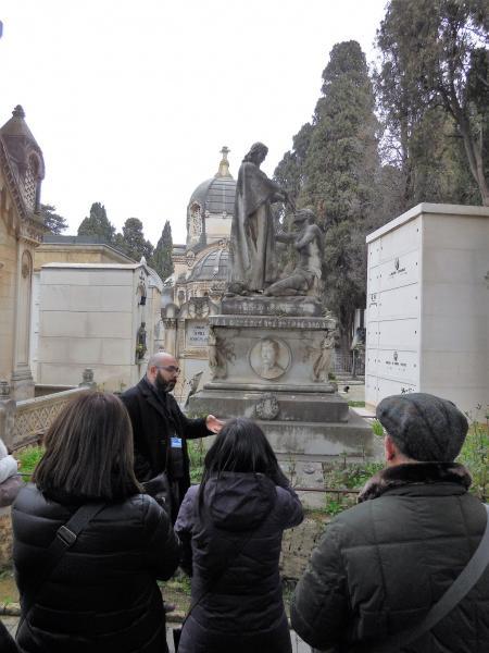 A cielo Aperto - visita al cimitero monumentale di Bari
