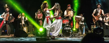 """Pizzica e musica popolare con i """"Terra Ross"""" per la festa di San Ciro"""