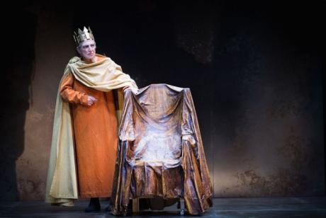 "L' ""Enrico IV"" arriva a Barletta"