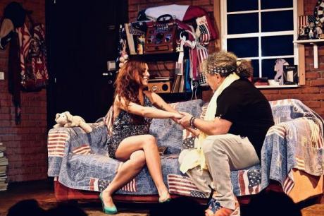 """""""Una barese a New York 3"""" in scena al Teatro Barium"""