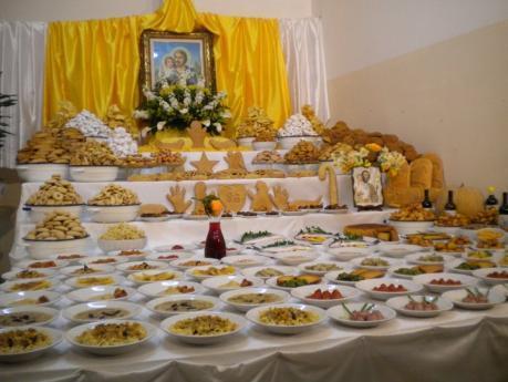 Festa di San Giuseppe con processione e tavolate