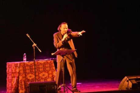 Salvo Gaber sul palco di Nardò