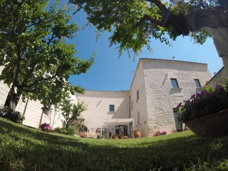 Visita e aperitivo alla Masseria Tresca - Resta