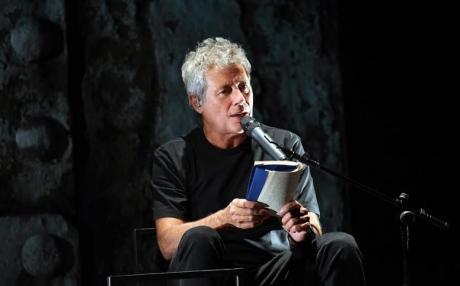 """Alessandro Baricco legge """"Novecento"""" al Teatro Petruzzelli"""
