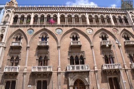 Apertura di palazzo Fizzarotti