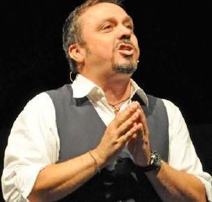 Gabriele Cirilli on stage a Isernia