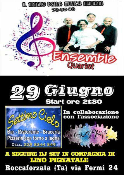 Musica dal vivo... con gli Ensemble il meglio della musica italiana anni '70 '80 '90 e a seguire dj set in compagnia di Lino Pignatale