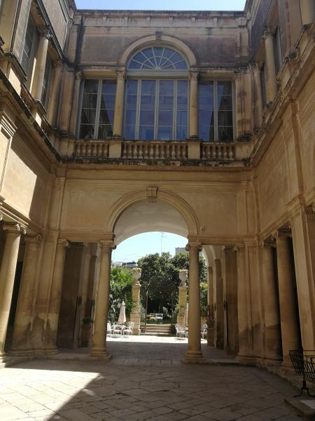 Puglia. Lo specchio della metamorfosi tra Liberty e Barocco