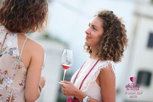 AIS Lecce presenta la notte con i rosati di Charme in Rosa
