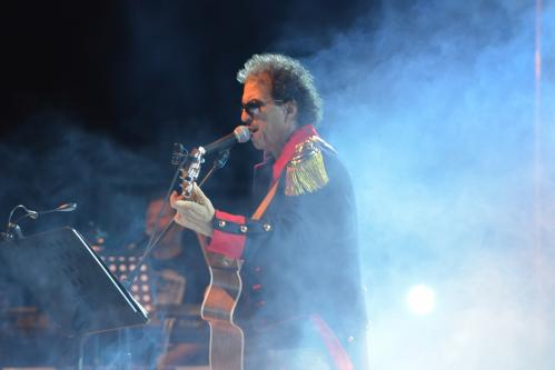 Mimmo Cavallo live concert al Popularia Festival, sabato 17 agosto sul palco della Nchianata di Torricella (Ta).