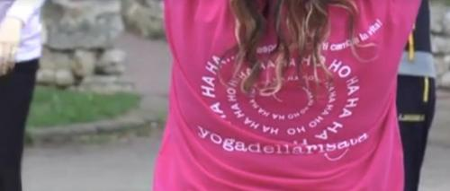 Yoga della risata sul mare con Le Meraviglie